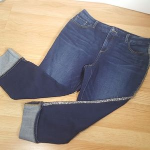 Chico's so slimming girlfriend ankle jeans